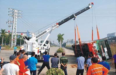 中国レッカー車操作技術大会2012-3