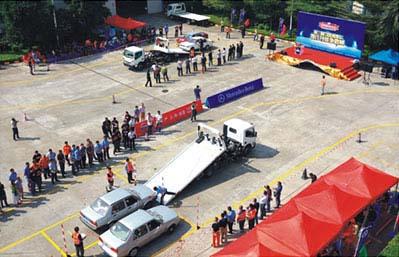 中国レッカー車操作技術大会2013-2